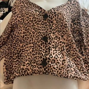 NWT XL June and Hudson Leopard Print Blouse